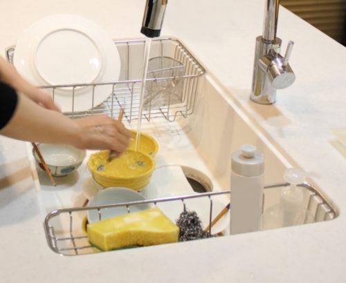 子どもと一緒に食器を洗おう